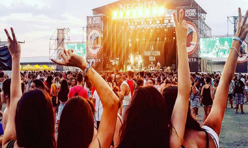 arenal sound chicas 2017