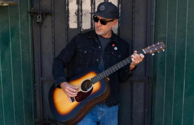 Jim Lindberg de Pennywise anuncia disco en solitario 'Songs From The Elkhorn Trail'